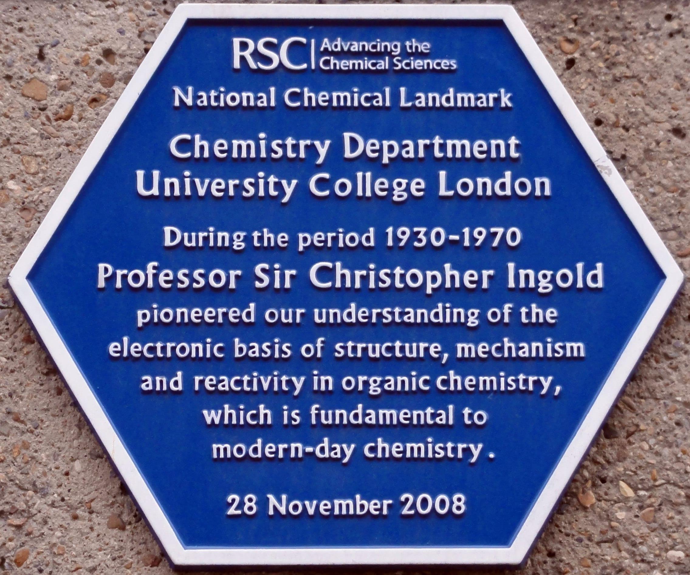 Placa en honor de Sir Christopher Kelk Ingold