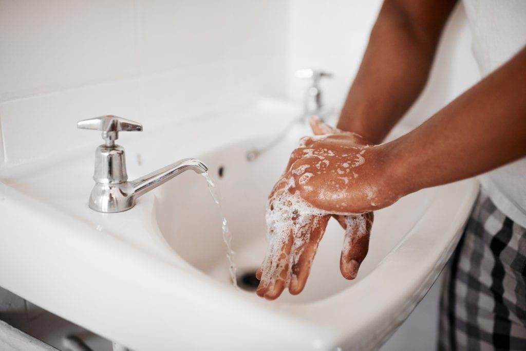 El lavado de manos regular ayuda a disminuir la propagación de infecciones y enfermedades