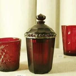 Piezas de vidrio coloreadas con purpura de Cassius